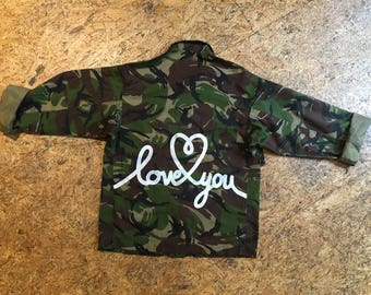 UK army jacket with text