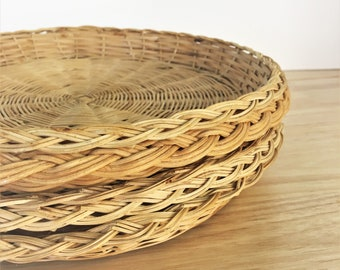 Set of Four Wicker Plates / Boho Style / Shabby Chic Decor / Hippie Style / Beach House Decor / Jungle Decor / Farmhouse Trays