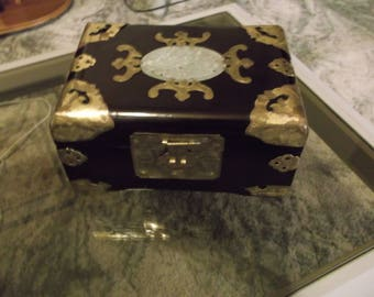 Vintage Jewelry Box with Bras Carved Design holding clasps on side