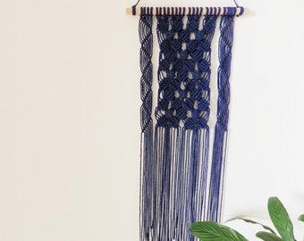 knot/macreme/handmade Macrame wall hanging/woven wall hanging/Gifts for girlfriend
