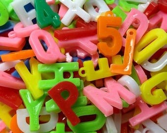 SALE 12pcs TINY LETTER Charms Vintage Plastic Goodness