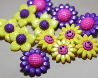 Colorful Plastic Buttons Assortment Variety Mixed Lot Purple Yellow Sunflower Buttons