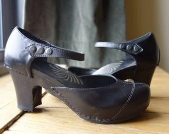 1940s Style Modern US Size 10 Euro 40 Black Leather High Kitten Heel Mary Janes Pin Up Rockabilly Viva Las Vegas