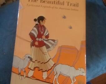 Walk quietly the beautiful trail bok