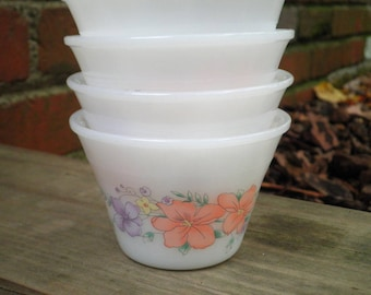 4 Vintage Indopal Custard Cups - Retro Milk Glass Ramekin Bowls - Floral Dessert Dish / Old Portion Cup / Bowl / Dishes / Kitchenware Gift