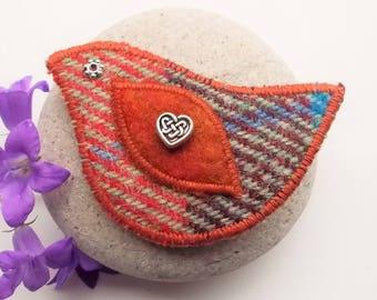 Harris Tweed Bird Brooch Pin with Rust Celtic Heart Bead