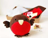 SALE Robin Craft Kit - Make Your Own - Children's Sewing Kit - Creative Activity Kit - Robin Toy - Bird Toy - Bird Lover