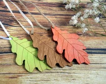 Autumn / fall wedding oak leaf wood place tags, favors, wish tree tags. 100. Laser cut leaves, custom colours. Nature, woodland, rustic