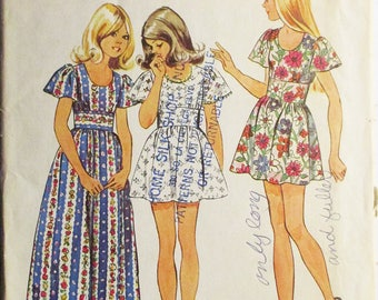 1970s Vintage Sewing Pattern Simplicity 5538 Girls Dress Pattern in Two Lengths Size 14 Breast 32