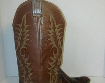 Closing Shop 40%off SALE Nocona Leather Boots // Vintage Nocona cowboy girl  Boots - Men's 8.5/ Women's 10