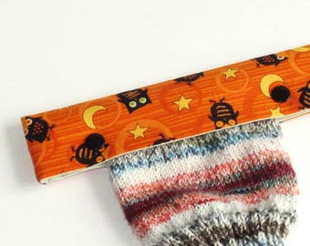 Knitting Needle Keeper DPN Cozy for 6 inch needles, Little Black Halloween Owls