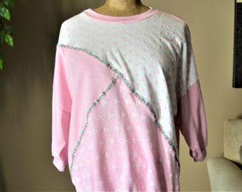 80's Sweatshirt Pink and White Puffy Paint Batwing, 22 W 42, XL Quilt, Block, Floral Ribbon,Fairy Kei ,Made in USA