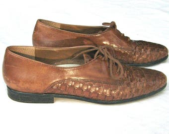 Vintage 80s Women Oxfords Brown Leather Woven Oxfords Lace Up Flat Shoes  Sz 7.5 80s oxfords