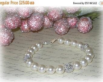 15% OFF Bliss Pearl Bracelet