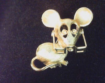 mouse pin with movable glass, Avon 1970's