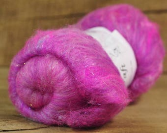 Carded Wool/Luxury Fibre Batt 50g - 'Hot Pink'
