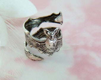 ANTIQUE SILVER RING ~ Steampunk ~ Gothic Bat Ring  (R-2)