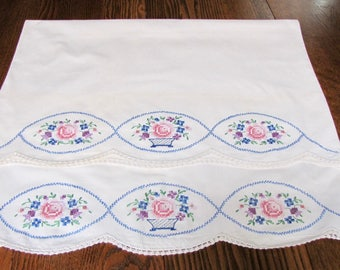 Vintage Embroidered Pillowcases, Vintage linens, Embroidered Linens, Rose Embroidered Pillowcases, cottage Chic, Shabby Chic, Crochet Trim