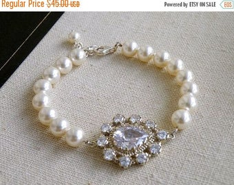 Summer Sale Pear Cubic Zirconia Swarovski Ivory Pearl Bracelet BB2 Wedding Jewelry