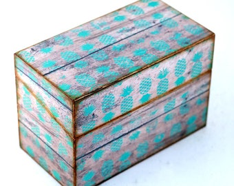 Wood Recipe Box Faux Barn Wood with Green Pineapples Fits 4x6 Recipe Cards