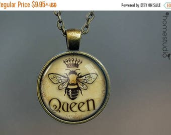 ON SALE - Queen Bee : Glass Dome Necklace, Pendant or Keychain Key Ring. Gift Present metal round art photo jewelry by HomeStudio