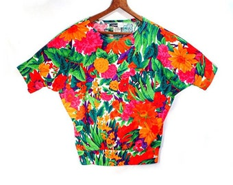 80's vintage FLORAL batwing top //  knit t-shirt top // dolman sleeves // S