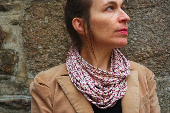 Fabric Chevron multicolor striped collar/necklace. Neckwrap jersey