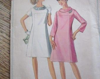 Vintage Simplicity Dress Pattern Size 20 1/2 Bust 41