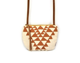date purse  • geometric print - small cross body bag • red orange triangles - geometric print - waxed canvas • crossbody bag - fall fashion