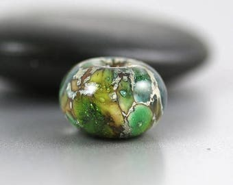 30% OFF SALE Lampwork Glass Beads - Green Single - Lampwork Beads - 14 x 8mm