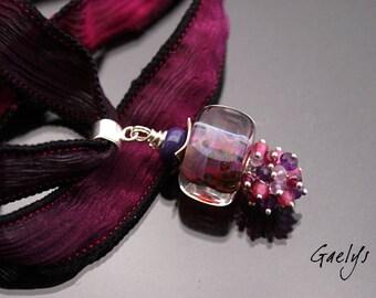 Loveberry - collier Perle cubique borosilicate / ruban de soie - pierres semi précieuses - Gaelys
