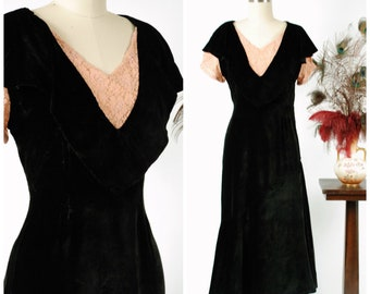 Vintage 1930s Dress - Black Bias Cut Velveteen 30s Frock with Peach Lace Neckline and Sleeves