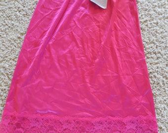 "Vtg 80s Fire ruby red Half Slip - Deadstock w/Tags - Lace Trim - Vassarette A-line Skirt Slip - Nylon - Vintage 1980s  Size Small 26"" length"