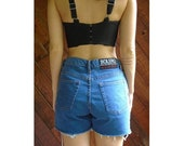20% off SPRING . . . High Waist Denim Cut Off Jean Shorts - Vintage 80s 90s - M
