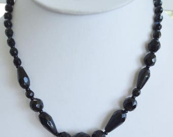 """ON SALE Pretty Vintage Jet Black Faceted Crystal Beaded Necklace, 17"""" (Q9)"""