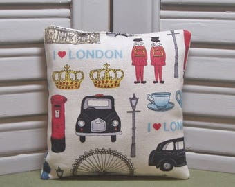 """London, lavender sachet, British taxi, crowns, England vacation, travel gift, 4"""" by 4"""" size, 100% dried lavender for a lovely aroma"""