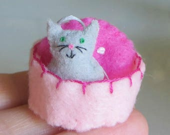 Gray cat miniature felt plush with stiffened felt basket and pillow play set