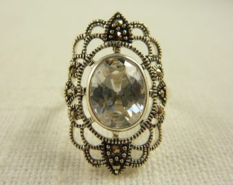 Size 7.75 Vintage Sterling Oval Glass and Marcasite Ring