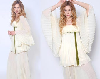 Vintage 60s Two Piece PALAZZO Pants Set Pleated ANGEL Sleeve Two Piece White Wide Leg Pants & Tunic