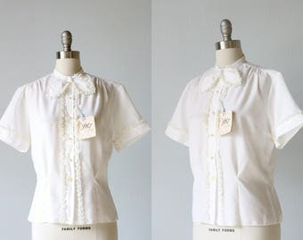 1950s 50s White Blouse Lace Bow Tie Short Sleeves Ruffles / Parchment