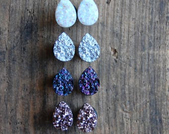 Tear Drop Shaped  Faux Druzy Rough Crystal Plugs Gauges. Silver. Rose Gold. Opal White.Purple. 2g (6mm) 0g (8mm), 00g (10mm) stretched ears