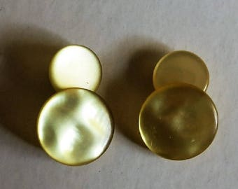 A Pair of Mother of Pearl Cufflinks