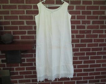Vintage 1930s White Cotton Nightgown with Crocheted Trim at Hem