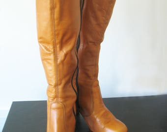 Women's Leather Boots, Knee Length, Caramel, Tan Brown, 1970s Vintage, Stacked Heel, Side Zipper, Size 8 US