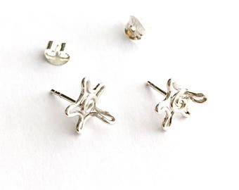 Sterling Silver Sea Turtle Studs. Small Turtle Post Sterling Silver Earrings.
