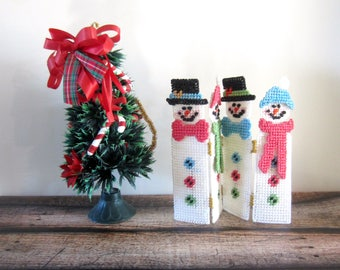 retro christmas tree and snowmen fence - Retro Christmas Trees