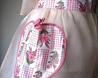 APRON Kitchen Skirt Bottom Cover PINAFORE Vintage UNUSED Organdy Chintz Heart N W T