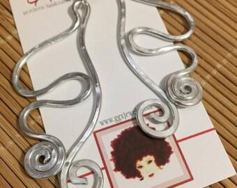FREEFLOW: Bangin Beauties hammered aluminum wire earrings