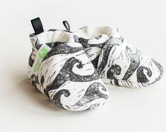 Organic Knits Vegan Waves in Monochrome / All Fabric Soft Sole Baby Shoes / Made to Order / Babies