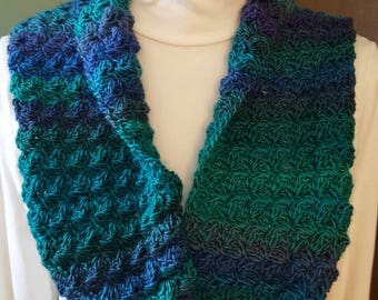 Blanket Stitched Cowl in Dragonfly